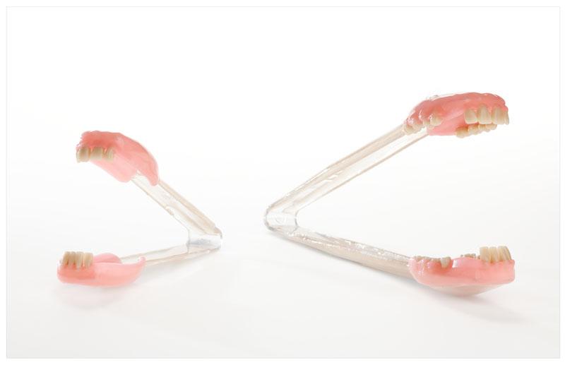 cuillère à pate dents corps humain gore insolite